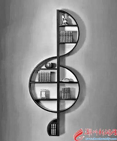 富有创意的设计师将书架设计成了音符的形状,还隐隐带着音乐的高贵图片