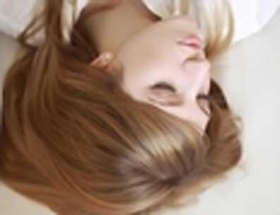 使头发的内部结构失去保护